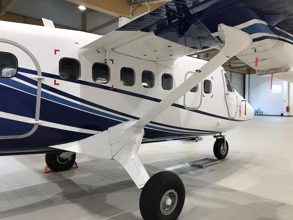 1978 De Havilland Twin Otter DHC-6-300 SN 557-7.jpg