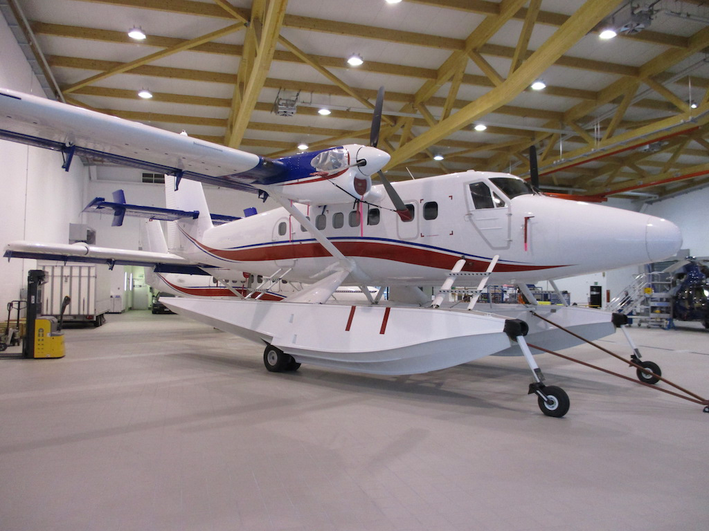 1969 De Havilland Twin Otter DHC-6-300 SN 244-2.JPG