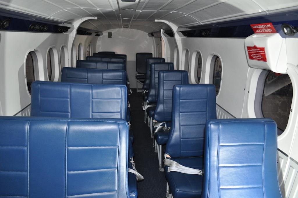 1978 De Havilland Twin Otter DHC-6-300 SN 593-9.jpg