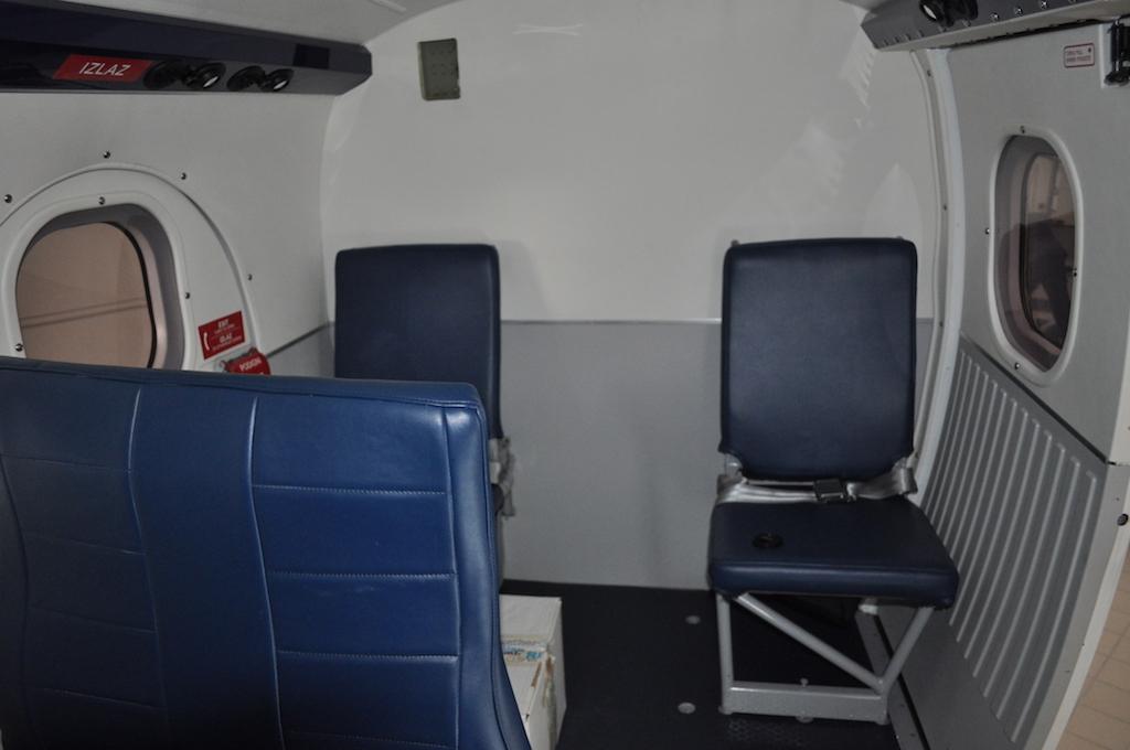 1978 De Havilland Twin Otter DHC-6-300 SN 593-13.jpg