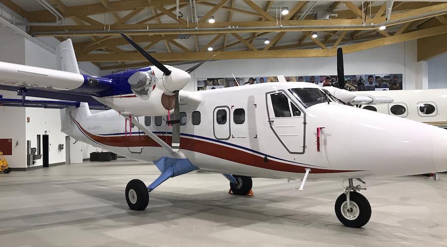 1980 De Havilland Twin Otter DHC-6-300 SN 696.jpg