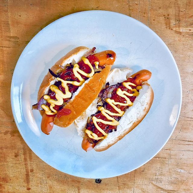 Hawt Dawgs... Getcha Hawt Dawgs... #socialfilms Lunch Up in the studio thanks to @frenchsuk #hotdogs #videoproduction #filmmaking