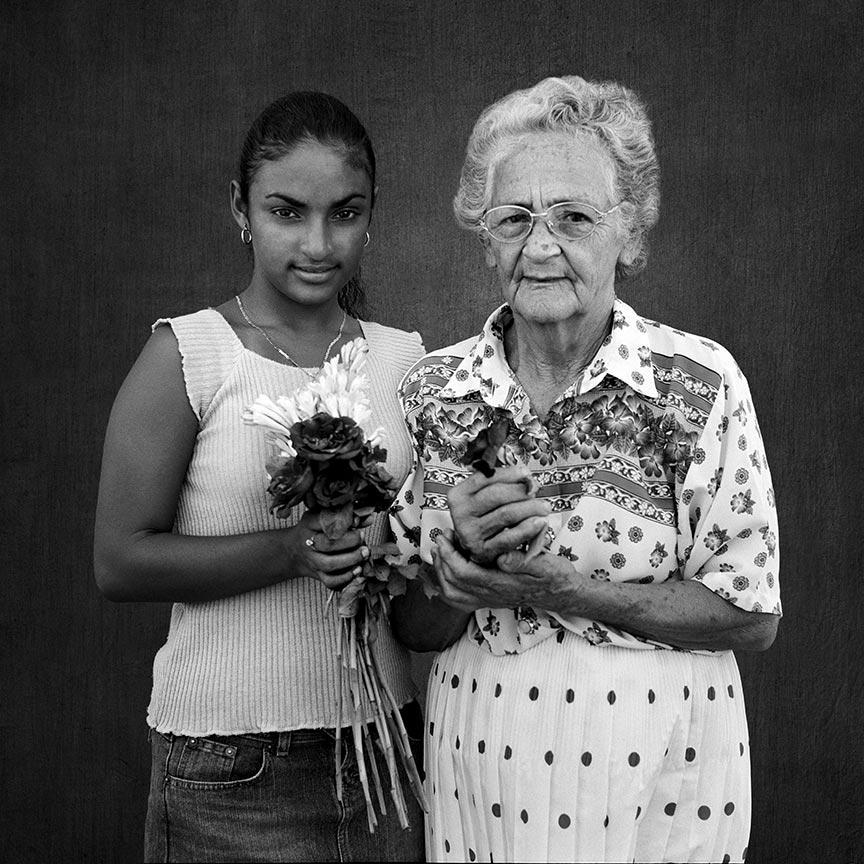 Gretel and Olga, series La Milagrosa