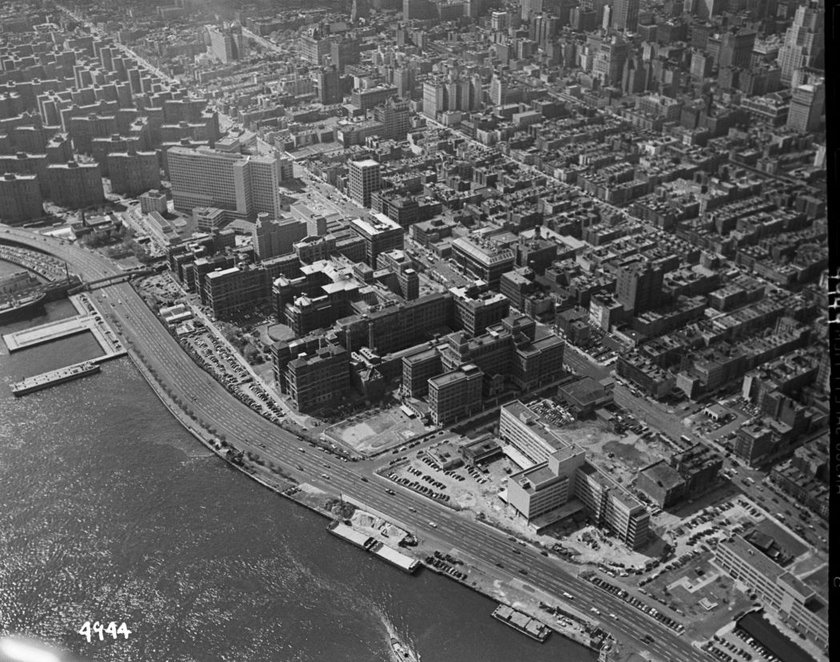 Aerial view of Bellevue Hospital and Kips Bay urban renwal area, September 1953. Courtesy NYC Municipal Archives.