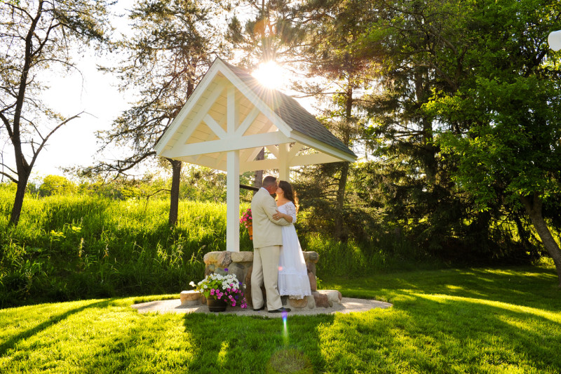 river edge bed and breakfast, river edge bed and breakfast wedding, wedding river edge bed and breakfast, wedding lowell michigan, lowell michigan wedding, grand rapids wedding, wedding grand rapids, outdoor wedding grand rapids, grand rapids outdoor wedding, outdoor wedding venue grand rapids, grand rapids outdoor wedding venue, outdoor wedding lowell, lowell outdoor wedding, outdoor wedding lowell michigan, lowell michigan outdoor wedding (1)