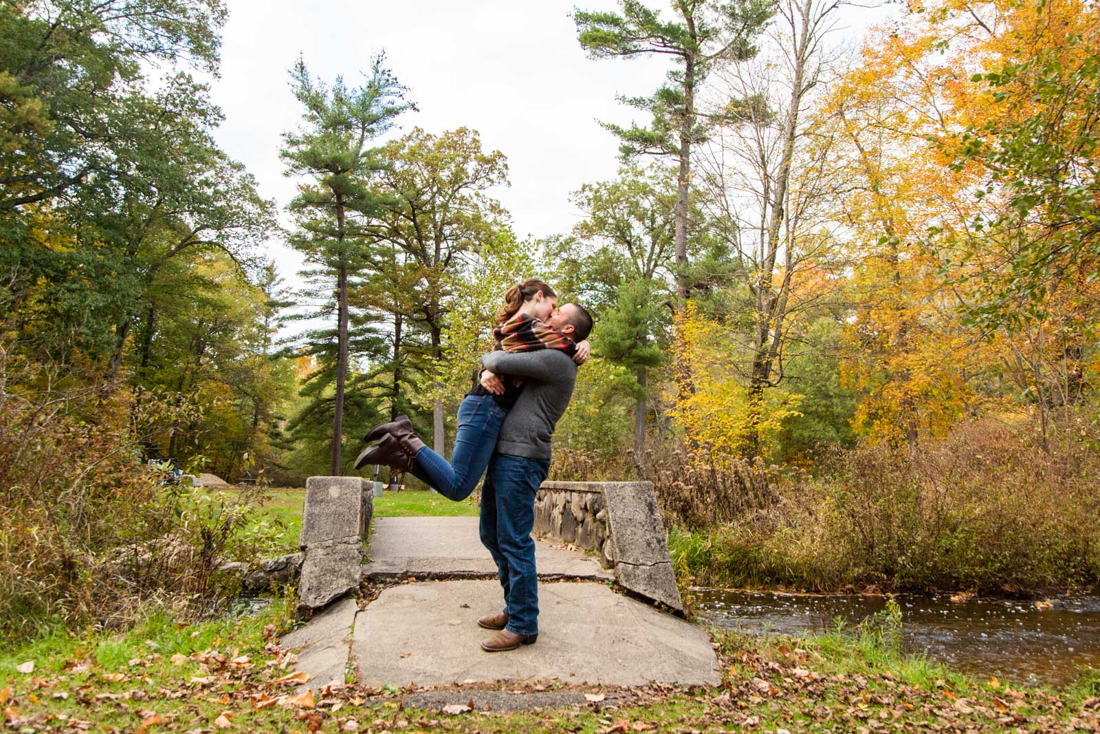 fall engagement photos townsend park
