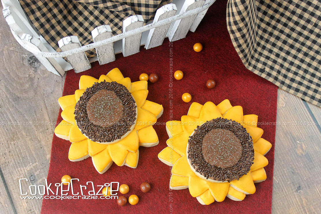 Sunflower Decorated Cookies (Tutorial)