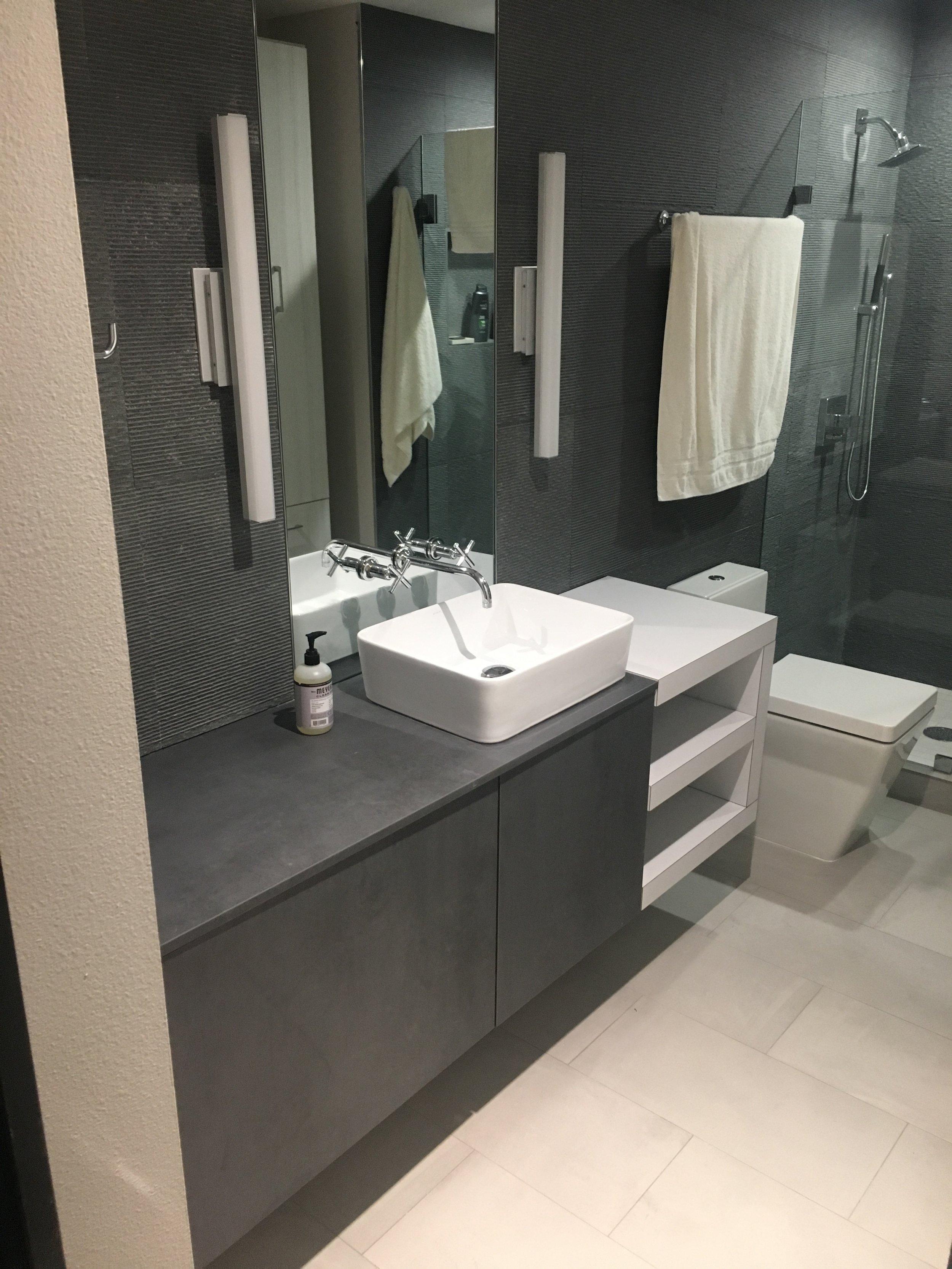 bathroom (11).JPG