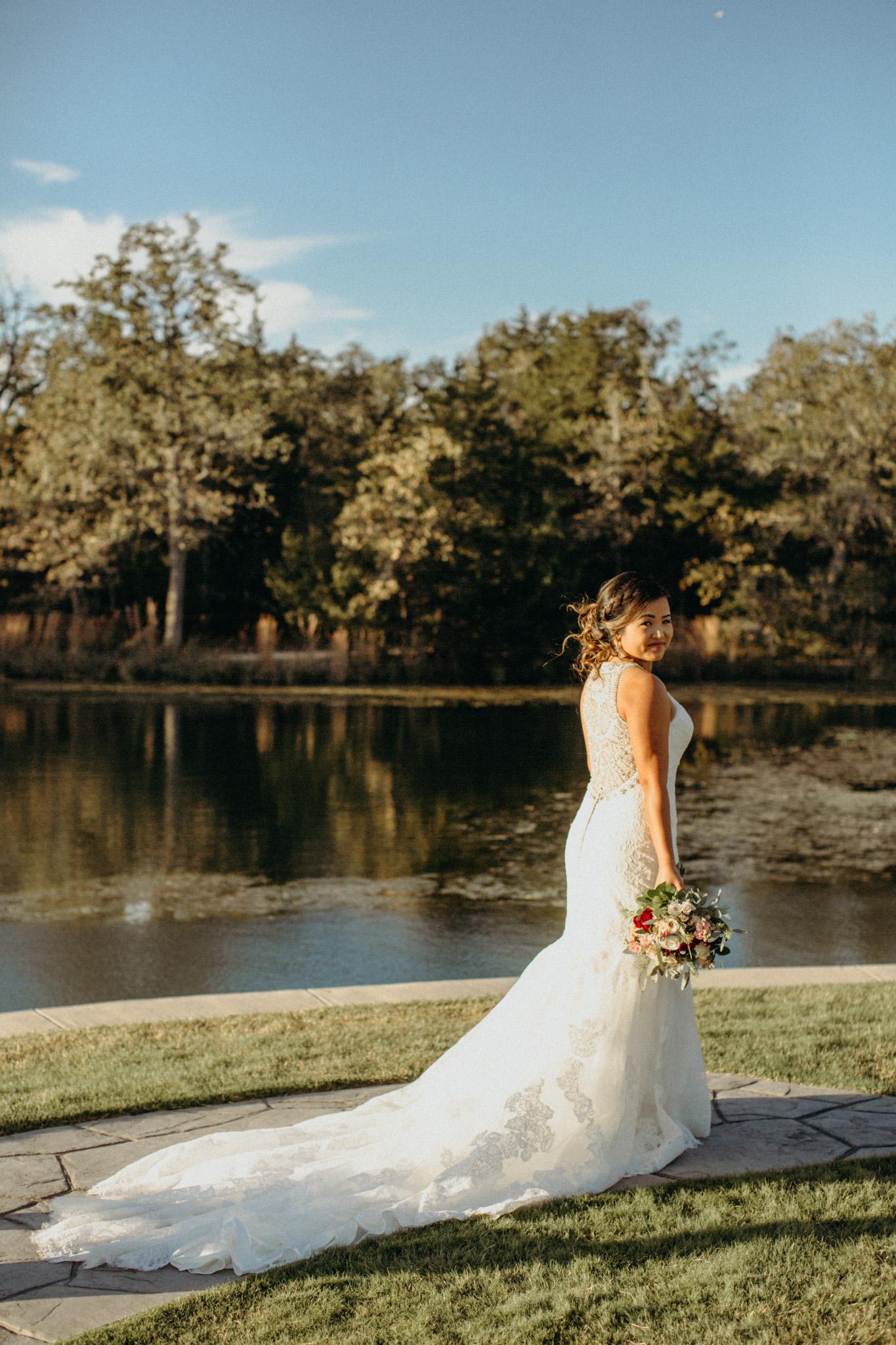 Hannah Valentine Bridal Portraits-32.jpg