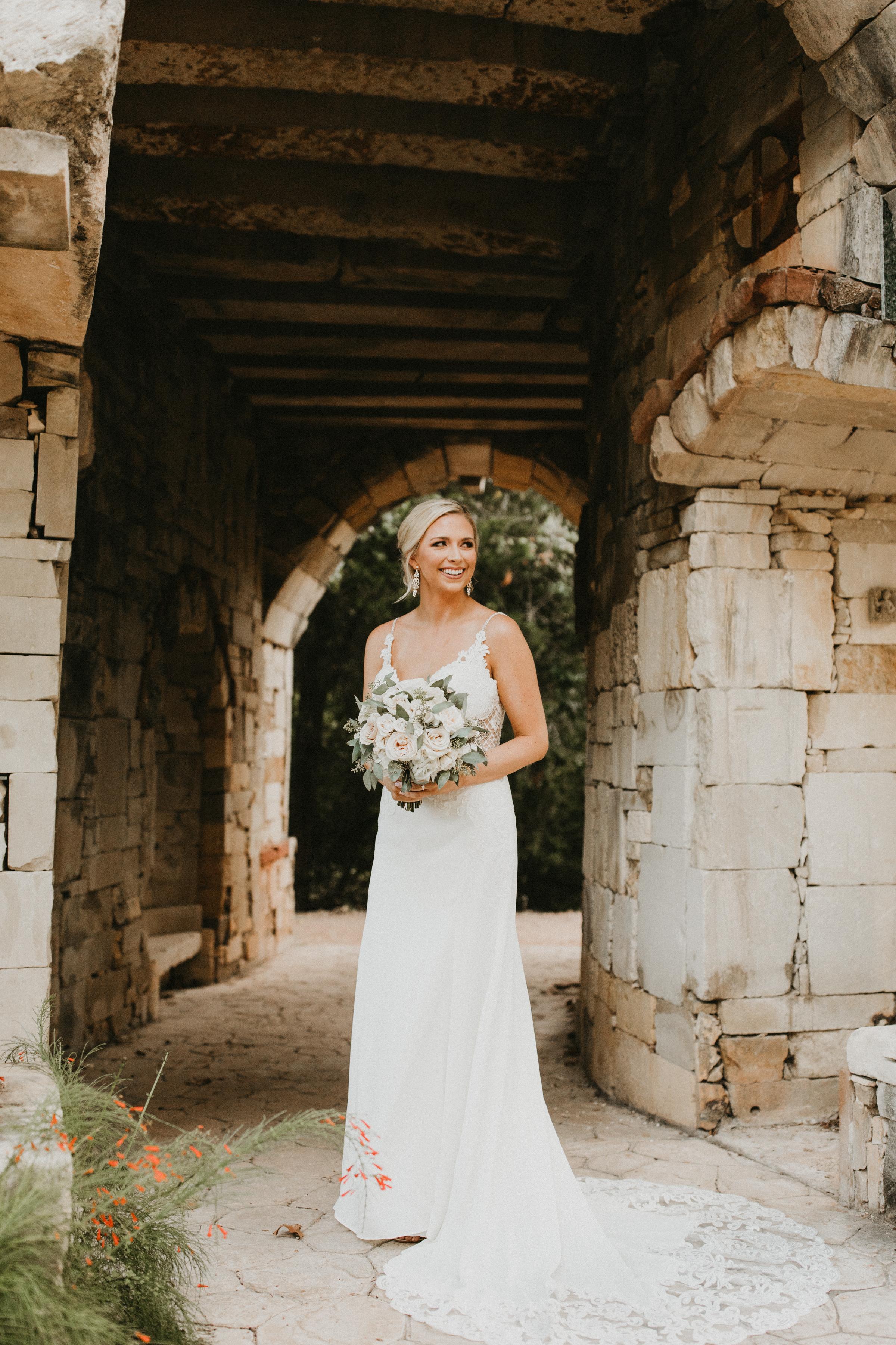 Amanda Billings Bridal Sneak Peeks-15.jpg