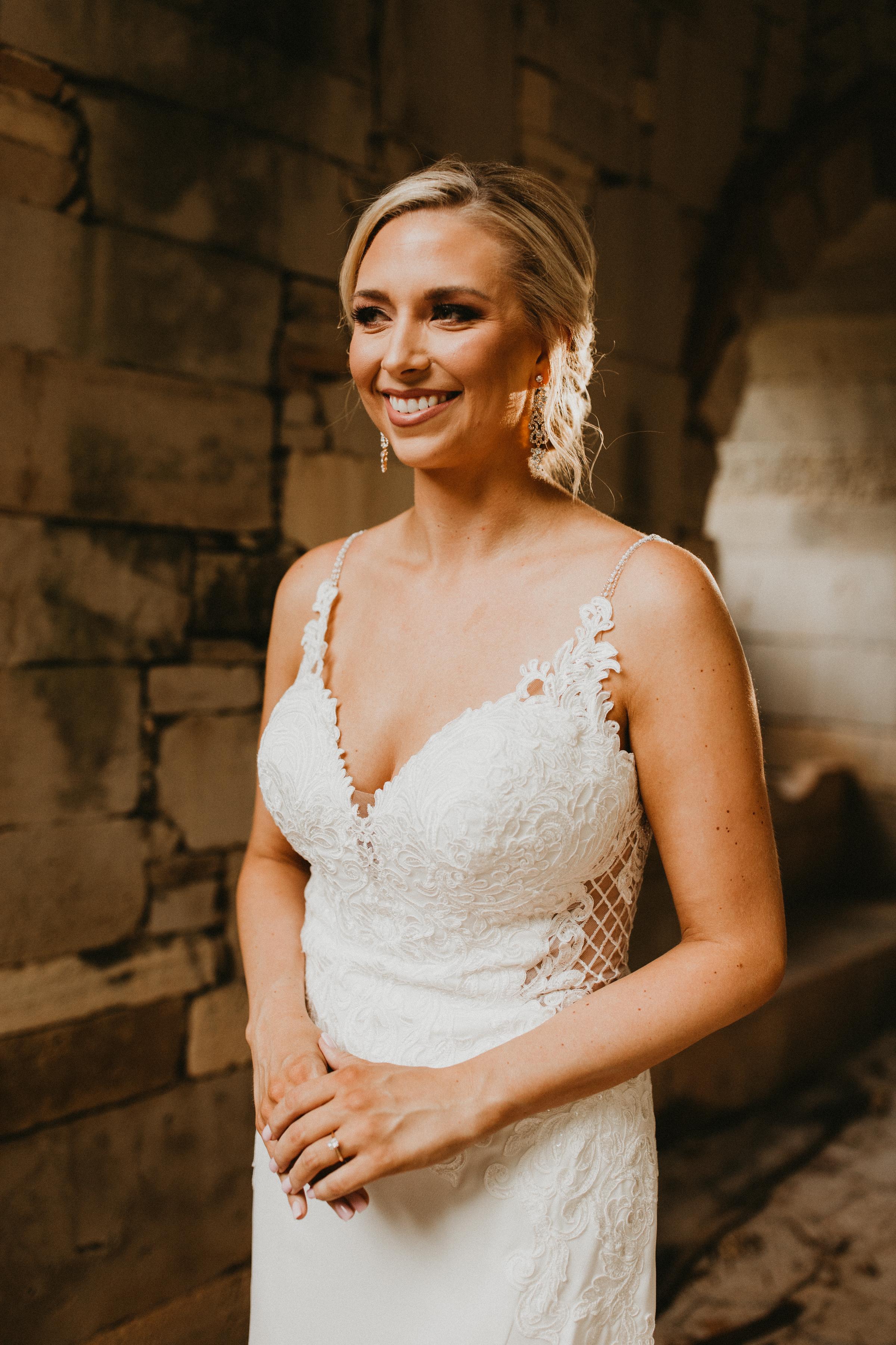 Amanda Billings Bridal Sneak Peeks-17.jpg
