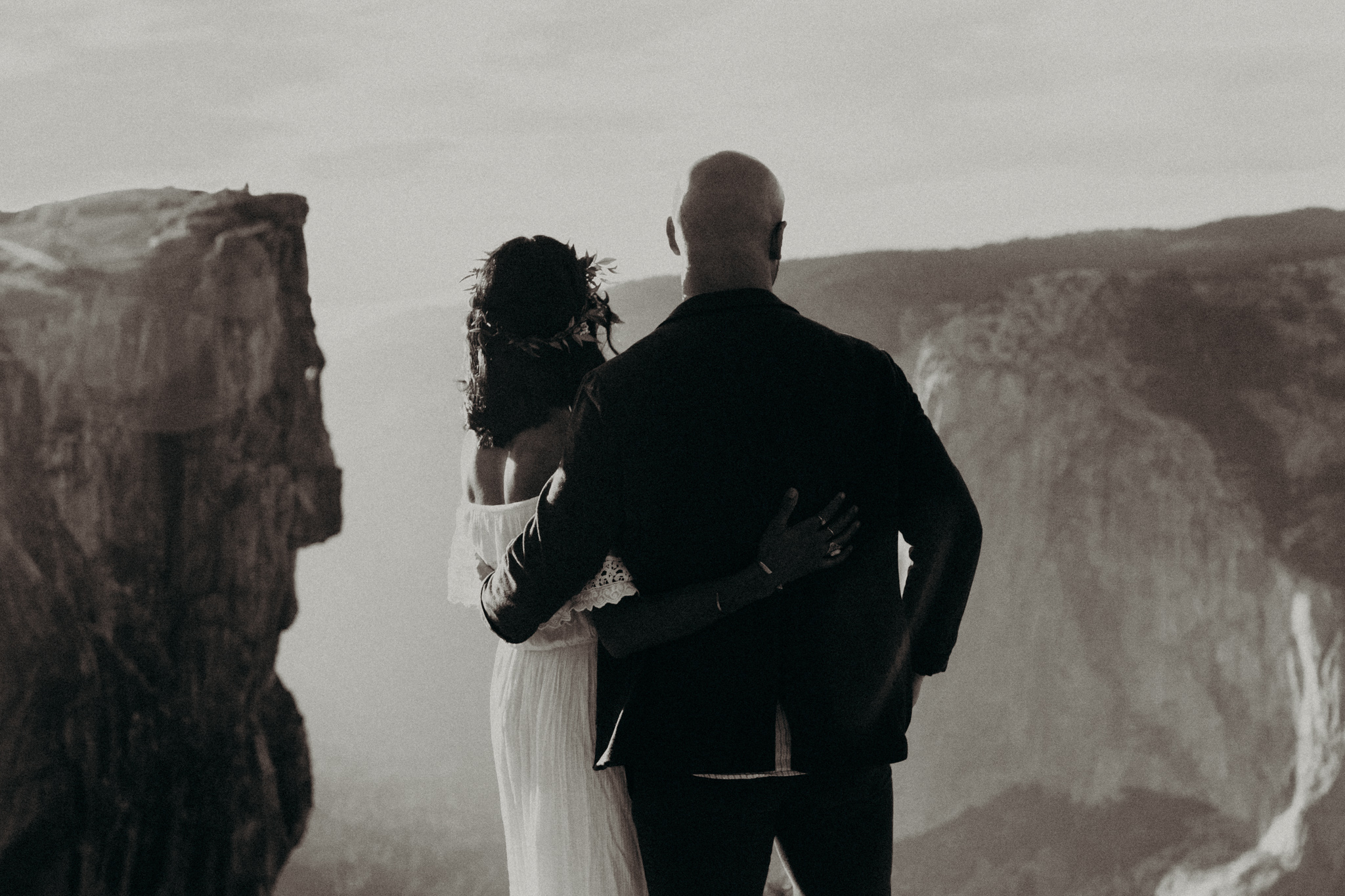 Yosemite Elopement Sunset Taft Point-44.jpg