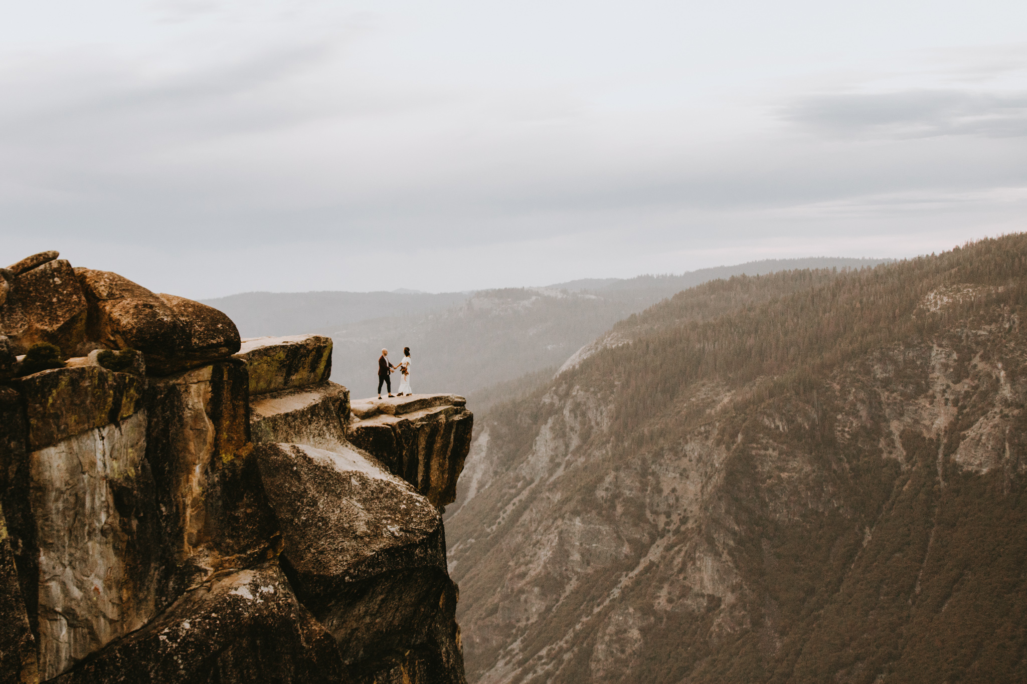 Yosemite Elopement Sunset Taft Point-83.jpg