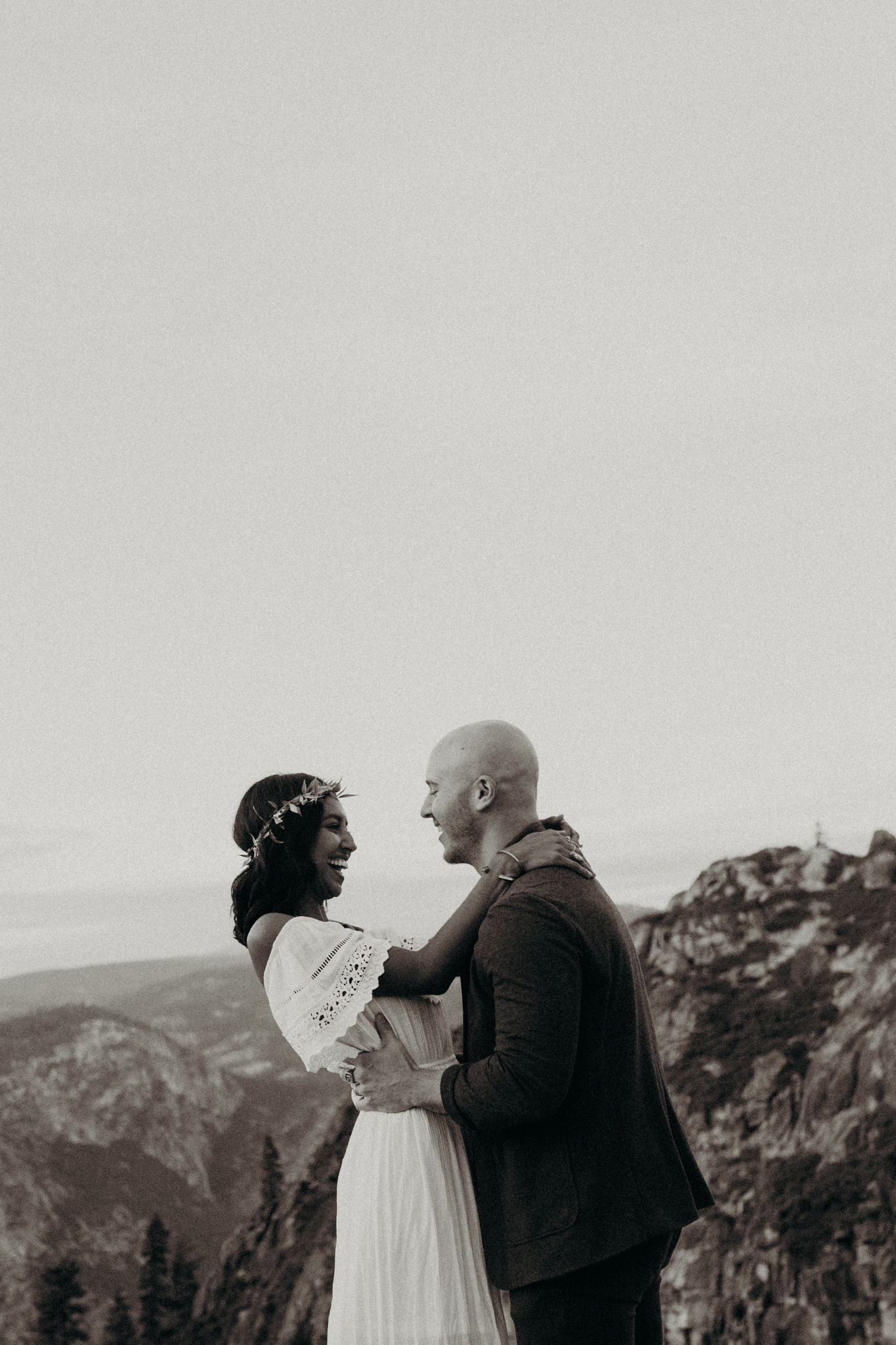 Yosemite Elopement Sunset Taft Point-90.jpg