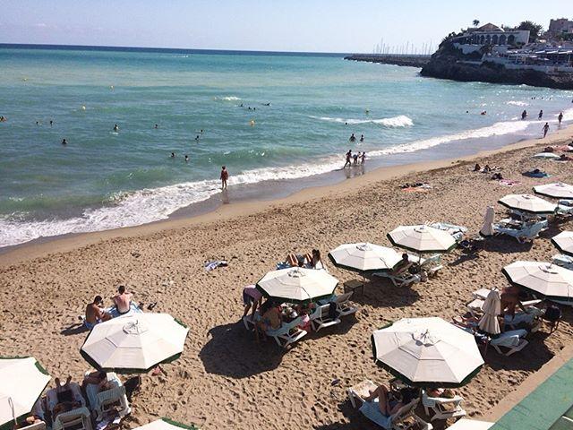 Gracias Barcelona! 🏖☀️💃🏻 #minibreaks☺️ . . . . #barca #barcelona #beach #littlebeachhouse  #summer #breaks #minibreak #holiday #tanning #sun #sunny #spain #gracias #instapic #picoftheday #ocean #littlebeachhousebarcelona #breachbreaks #beachdays #surf #sea #europe #travel