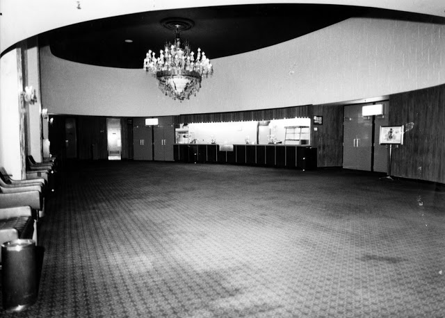 Somerset Theatre Lobby