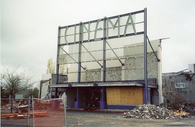 Demolition of the Westgate in 2006 - via CinemaTreasures.org