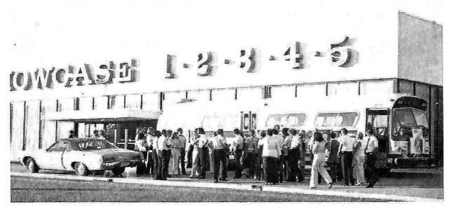 Showcase Cinemas in Springdale, OH - via CinemaTreasures.org