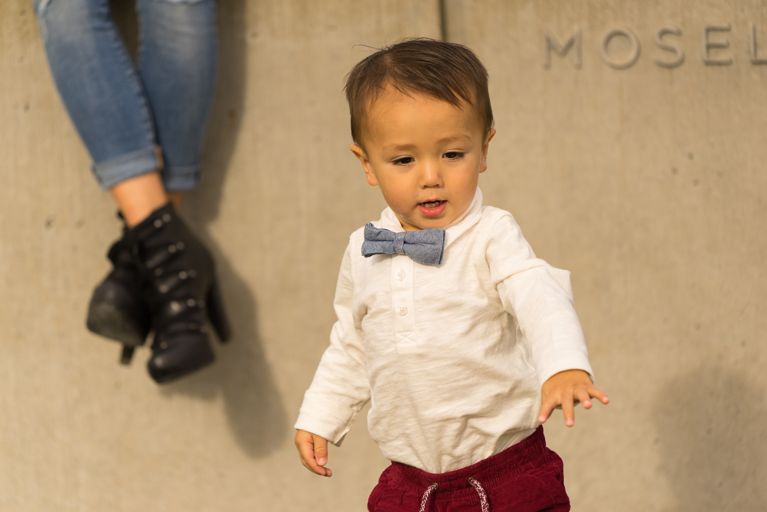 toddler with mothers shoes-SF Bay Area family photos