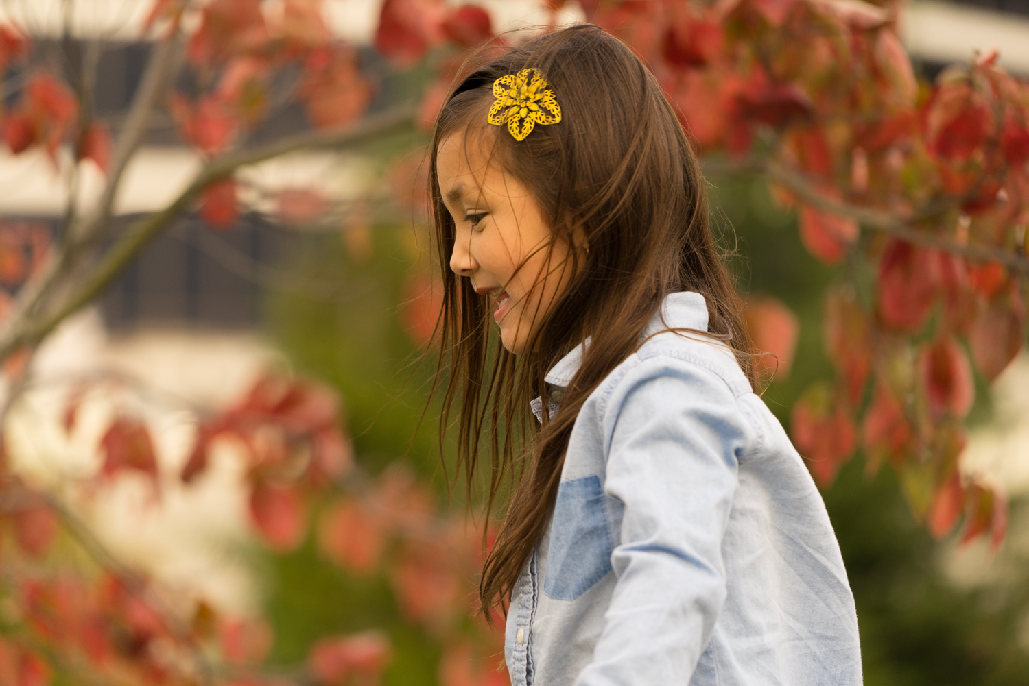 10 year old girl playing in Autumn-Danville lifestyle photographer