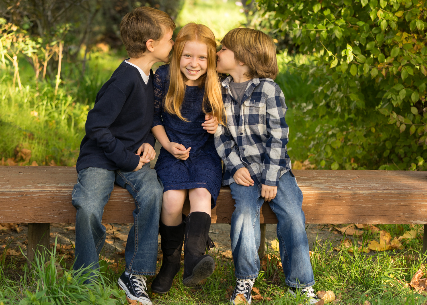 3 children telling secrets-Danville lifestyle photographer