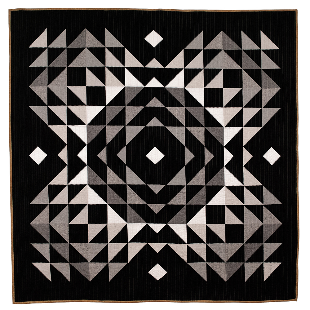 Grayscale Totality Quilt in Essex Linen