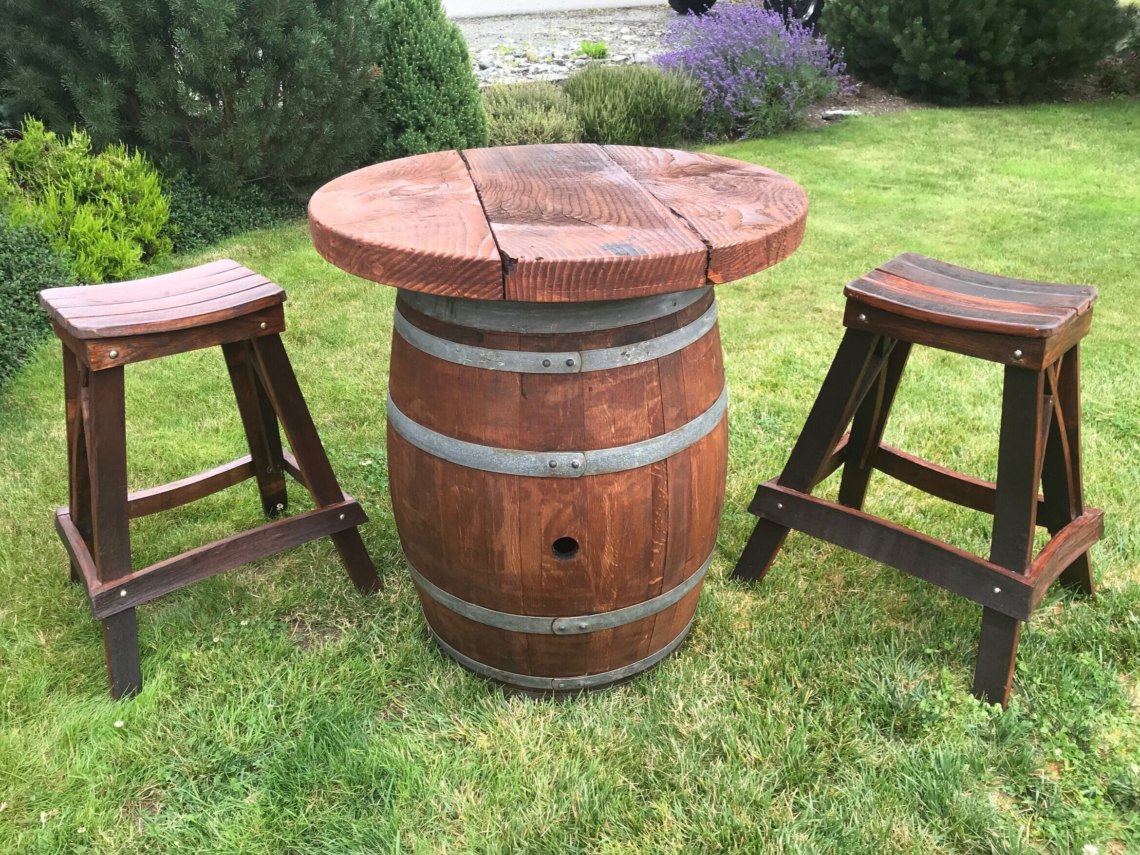 Wine+barrel+table+and+stools.jpg
