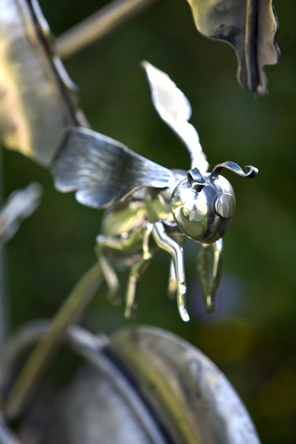 Bee_Detail.jpg