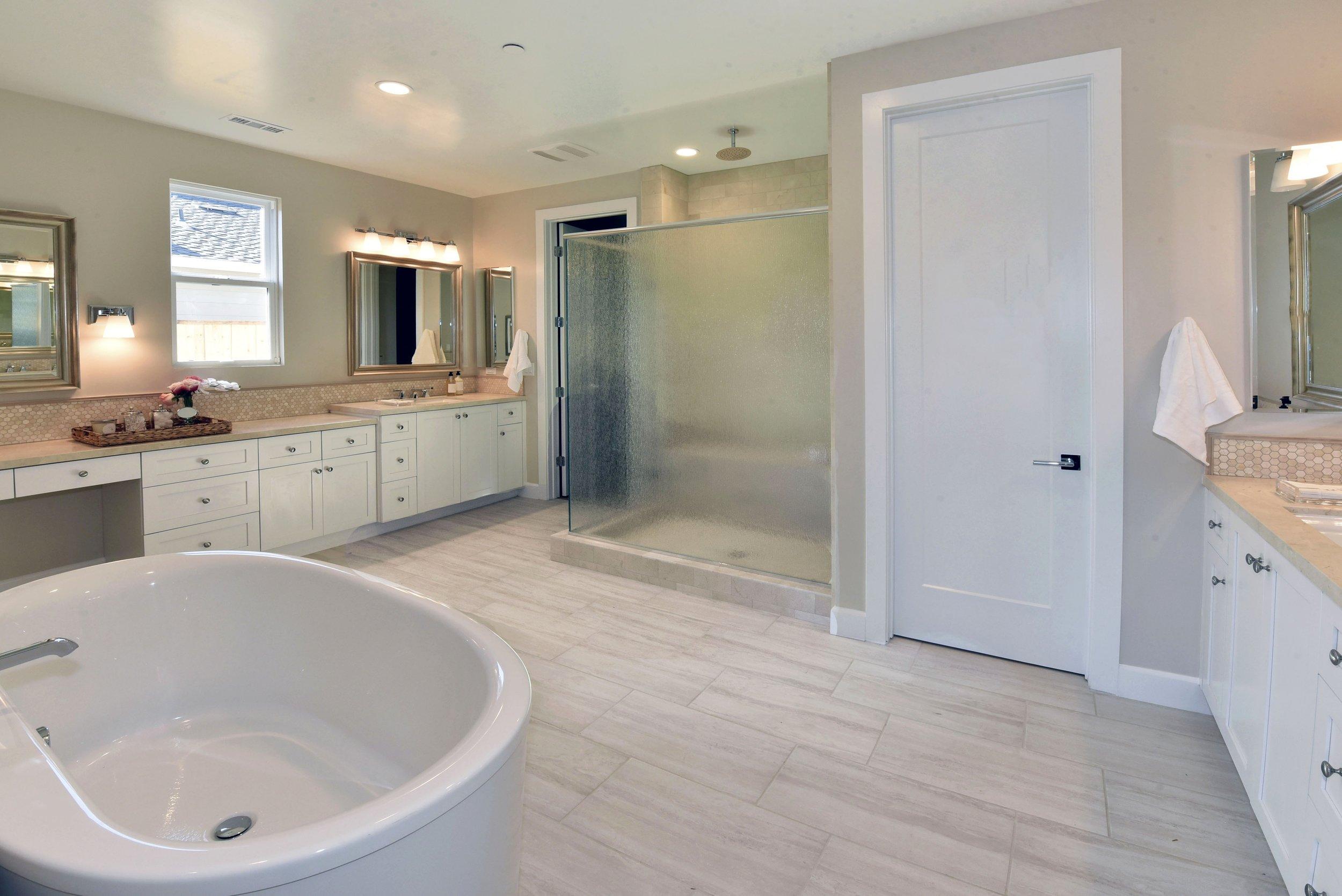 Bathroom_DSC_9381.jpg