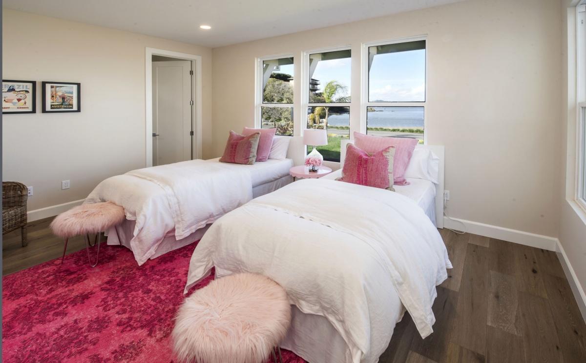 Bedroom_DSC_1683.jpg