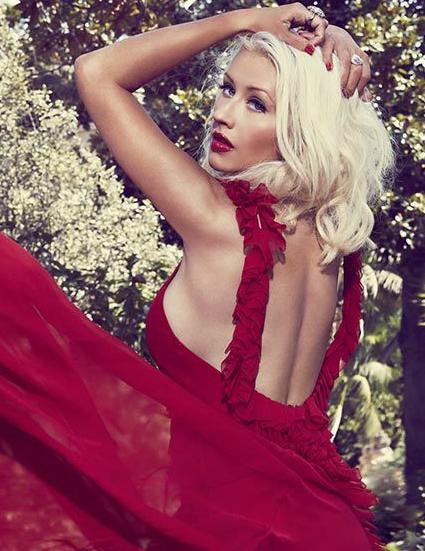 Christina_Aguilera_Elle_Brazil_Photohouse_Productions_2.jpg