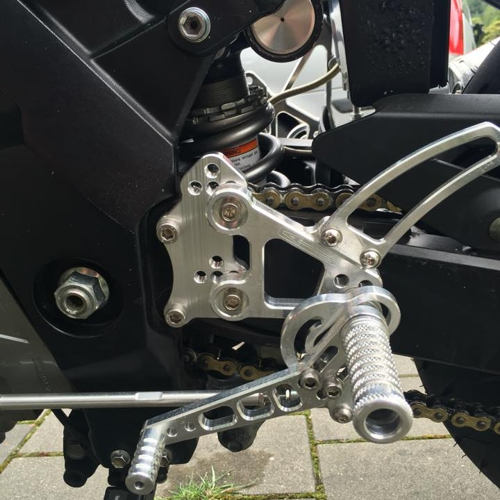 SV Racing Parts Rearsets, 530 Chain, ZX14 Shock.