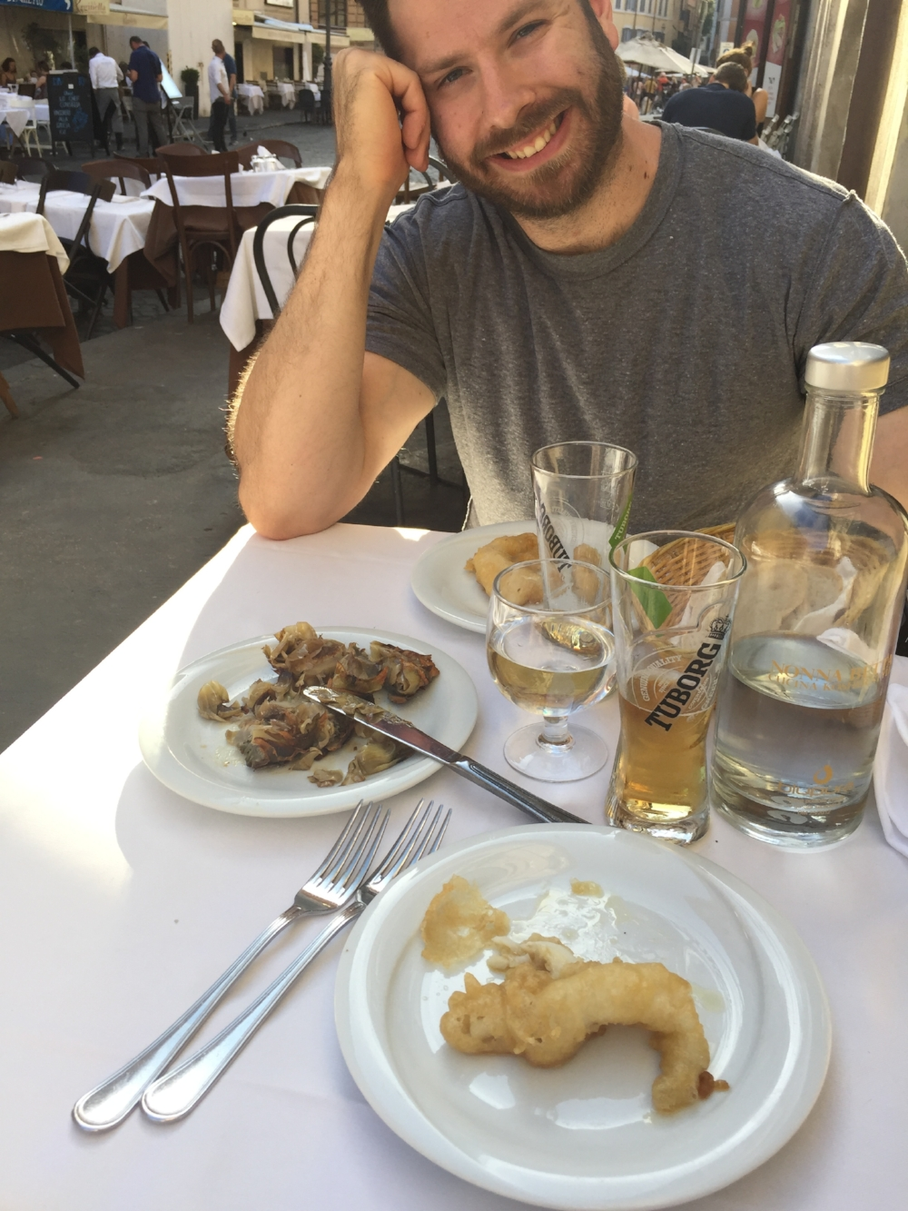 Fried fishies and artichokes in the Jewish district of Rome...and beer