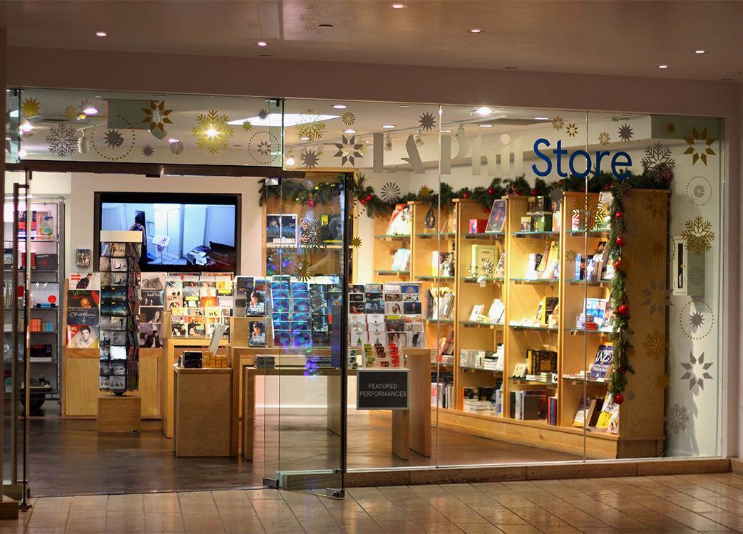 vinyl-holiday-window-display-laphil-store-02.jpg