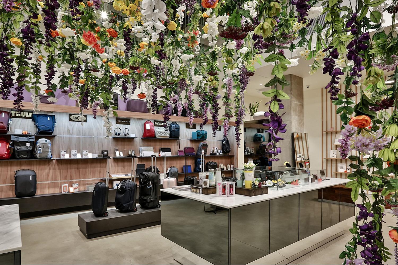 installation-hanging-flowers-losangeles_TheBlocShop03.jpg