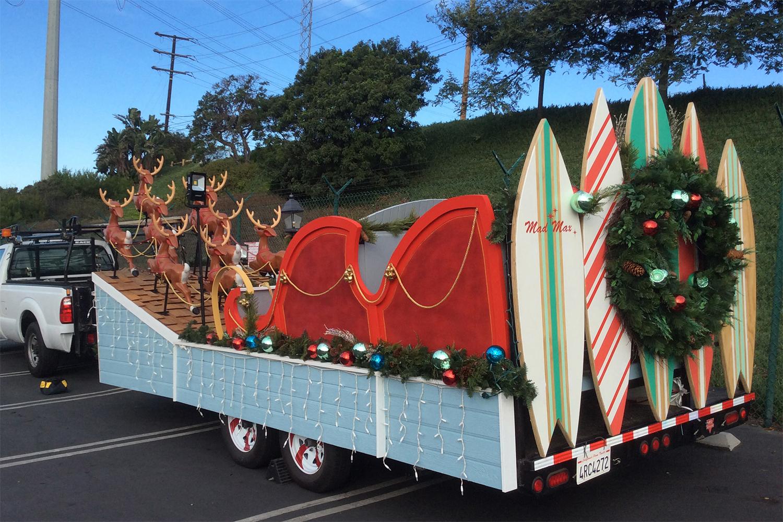 fabrication-holiday-santa-float-manhattanbeach-day003.jpg