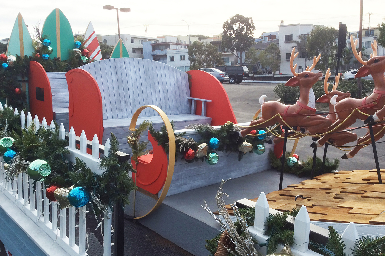 fabrication-holiday-santa-float-manhattanbeach-day004.jpg