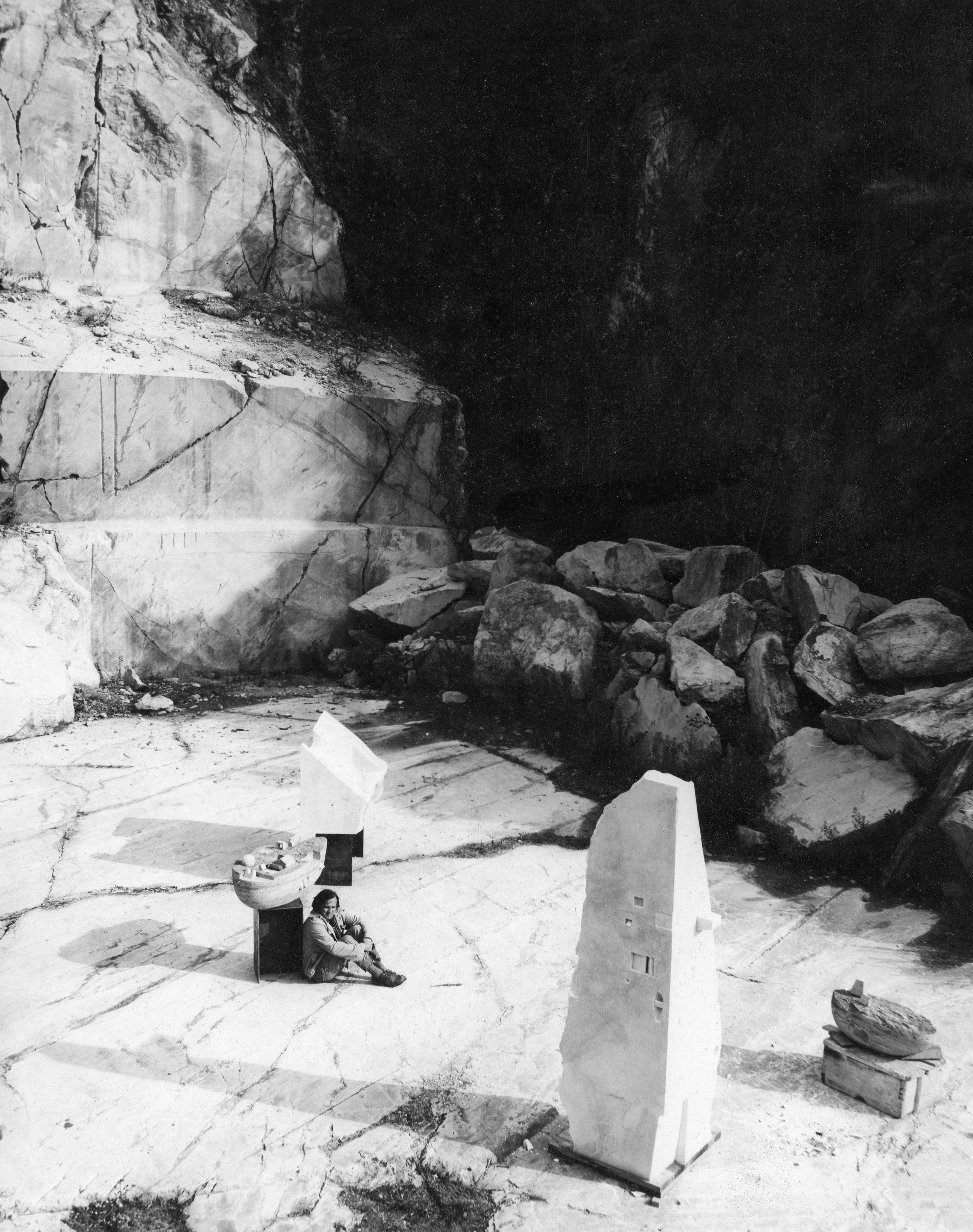 Gonzalo Fonseca in his quarry studio in Saravezza, Italy, 1979. Photo: Estate of Gonzalo Fonseca