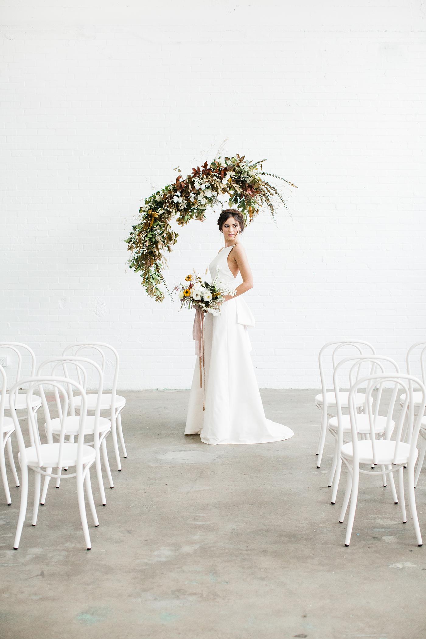 Wedding Floral Design Dallas - Olive Grove Design - Mimimalist Fall Wedding - 00033.jpg