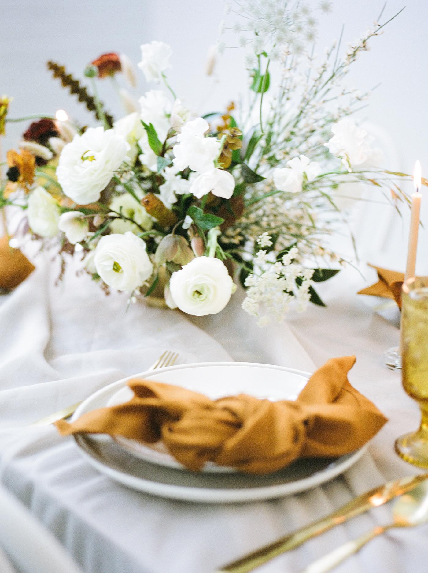 Wedding Floral Design Dallas - Olive Grove Design - Mimimalist Fall Wedding - 00154.jpg