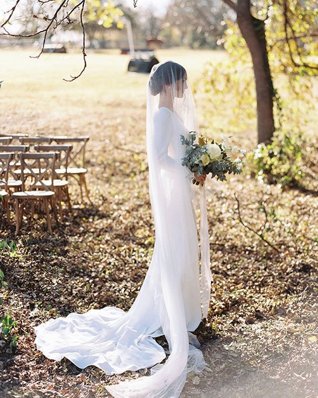 FEATURED | On @heyweddinglady today, our beautiful Ralph Lauren inspired equestrian editorial. ✨ Link in my bio  Photography: @ashleyrfondon  Venue: Buck Branch Farm  Planner & Design: @jenriosweddings  Hair & Makeup: @snmakeuphair  Floral: @olivegrovedesign Rentals: @sugarcreekeventrentals  Bridal Boutique: @aandbe_dallas @aandbe_bridalshop Paper: @sugaredfigpaperie  Tableware: @toptiereventrentals & @prettylittleplate Film Lab: @thefindlab Runner: @cloudcrafted Model: @dylansiena