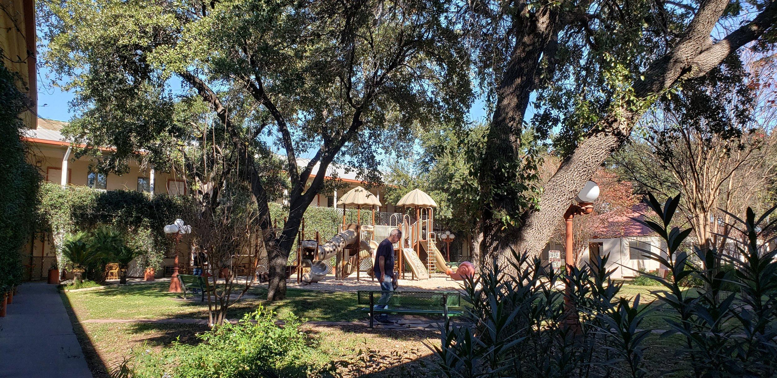Family Garden hotel in Laredo