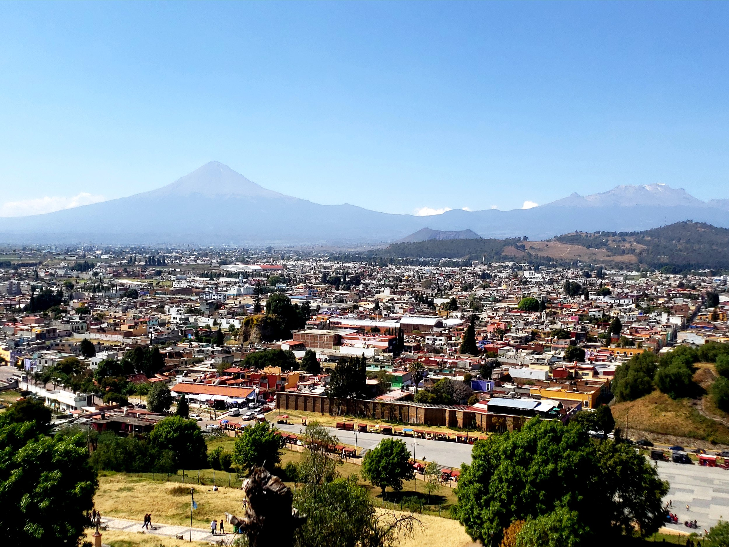 Popa - erupting volcano - seen from the pyramid in Cholula