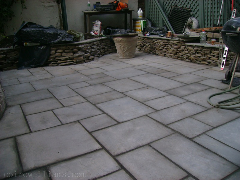 Bluestone Patio and  Fieldstone retaining wall1_ 2007_www_coirewilliams_com.jpg