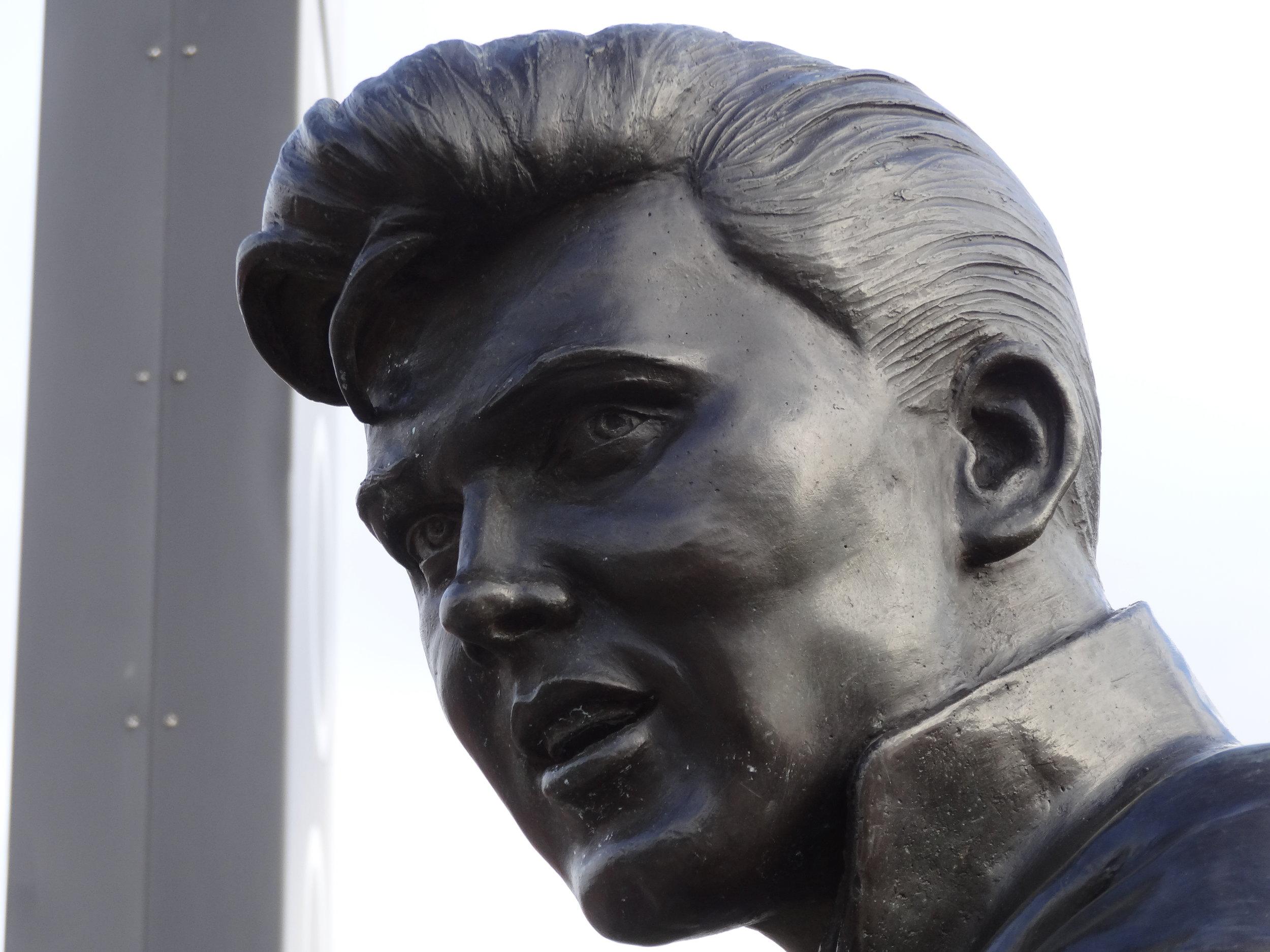 Billy_Fury_bronze statue face.jpg