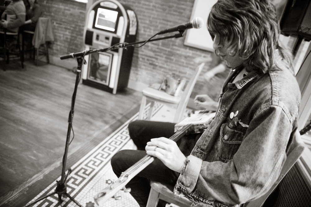 Bluesy singer-songwriter and Ohio musician Micah Kesselring loves coming to the Marietta Brewing Company (Marietta, OH) to perform on a slide guitar he made from a cigar box.
