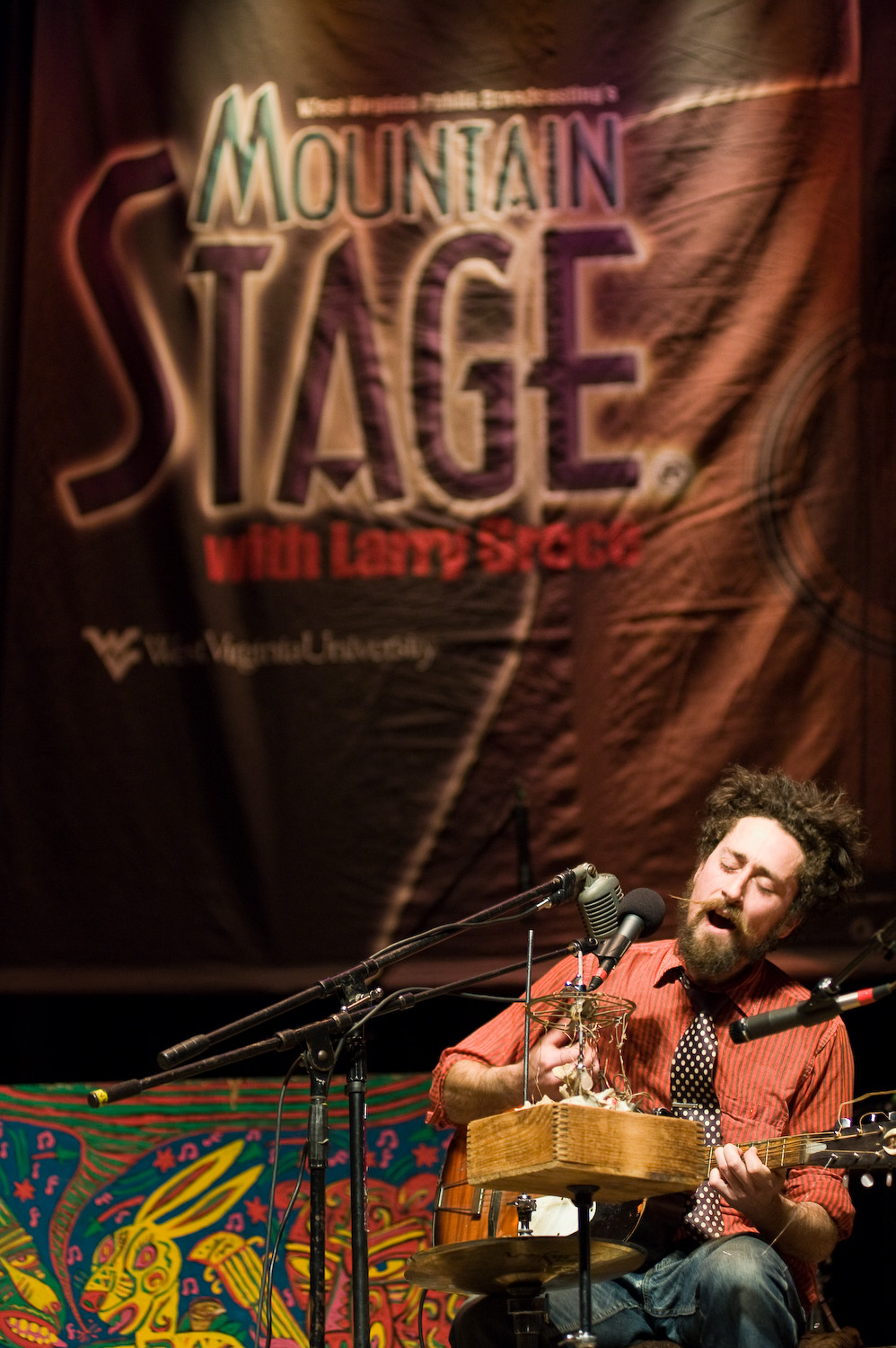 One man band, The Suitcase Junket  was a hit at Mountain Stage. Photo by  Michelle Waters .