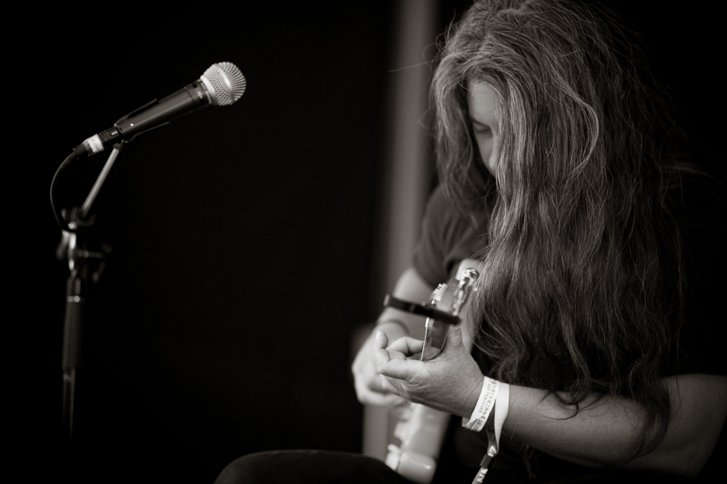 Marisa Anderson at the Boxcar Stage.