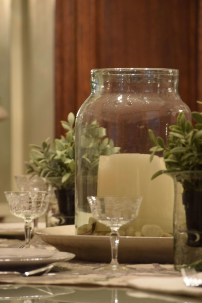 How-to-create-a-centerpiece-using-a-glass-jar