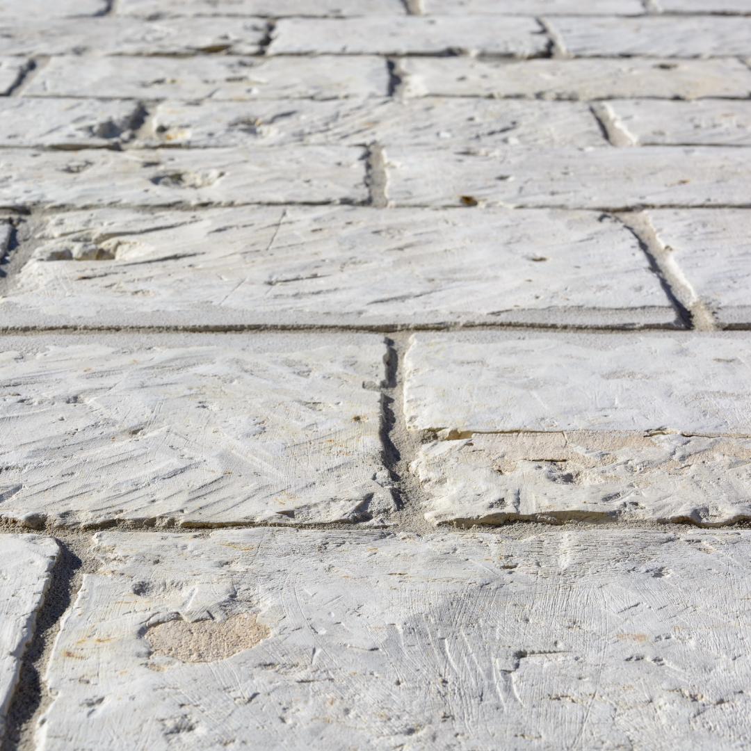 Random pattern stone flooring.